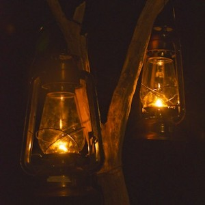 kero-lamps-Nightfall-camp-australian-wilderness-accommodation